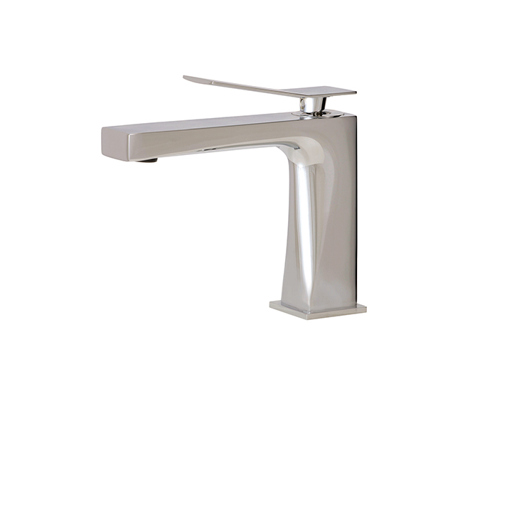 Chicane Single-hole Lavatory Faucet